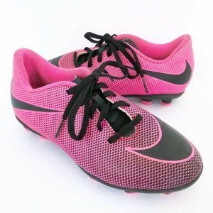 Nike (2.5Y) Girls Pink Soccer Cleats